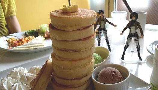 はちの巣カフェ 10枚重ねパンケーキ