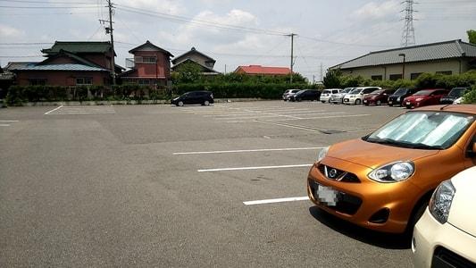 キャンドゥール 広い駐車場