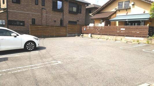 クラブハウス 駐車場