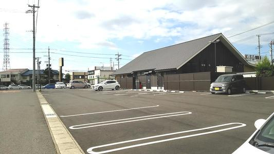 むさしの森珈琲・春日井篠木店 駐車場