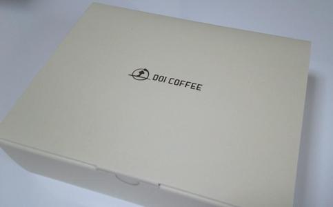 コーヒー豆が収められた箱