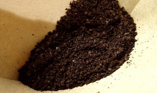 中引きにしたグァテマラ カペティロ農園のコーヒー豆