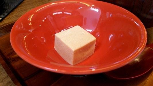 豆腐かふぇ浦島 モーニングサービスのきな粉の豆腐