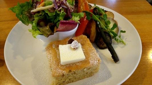カーレ(carre')のモーニングプレート パンケーキにはバター