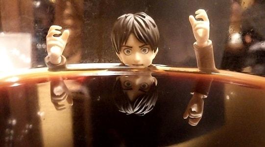 コーヒーに溺れているエレン